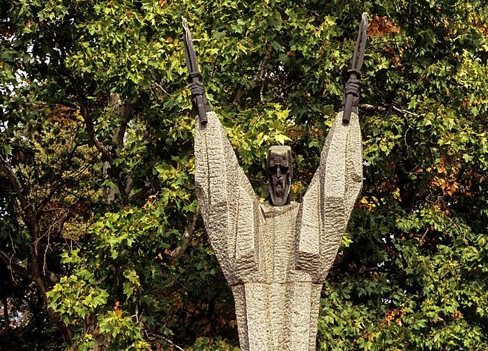 Sofia Park vor dem Hauptgebäude der St.-Kliment-Ohridski-Universität: Denkmal für Kliment von Ohrid (Kliment Ohridski)