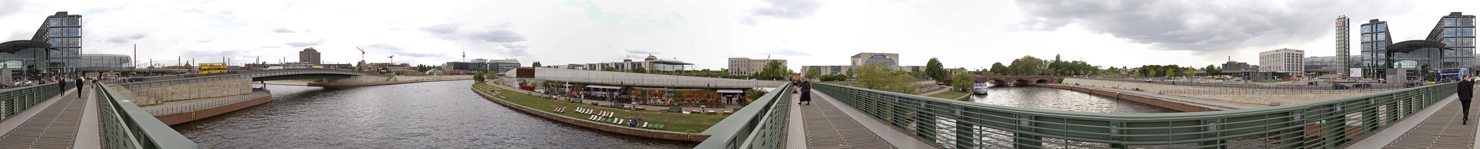 Berlin Rund um den Hauptbahnhof Bundeskanzleramt Reichstagsgebäude