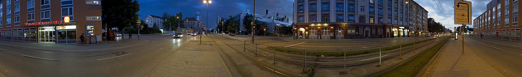 München Ampfing- / Berg-am-Laim-Straße: Gewitterstimmung Ampfingstraße