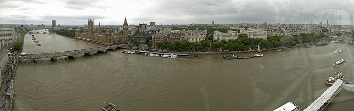 Blick aus dem London Eye Big Ben Charing Cross Station Golden Jubilee Bridge Houses of Parliament Hungerford Bridge Lambeth Bridge Millbank Tower Ministry of Defence Portcullis House Royal Air Force Memorial Royal Horseguards Hotel Themse Victoria Tower Victoria Tower Gardens Westminster Abbey Westminster Bridge