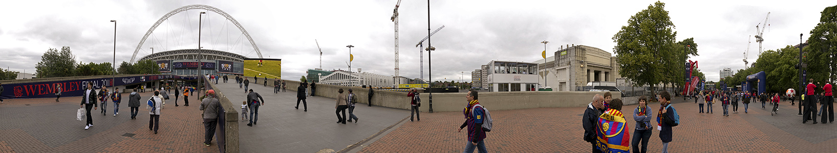 London Wembley Park: Wembley-Stadion (Wembley Stadium), Olympic Way (Wembley Way)