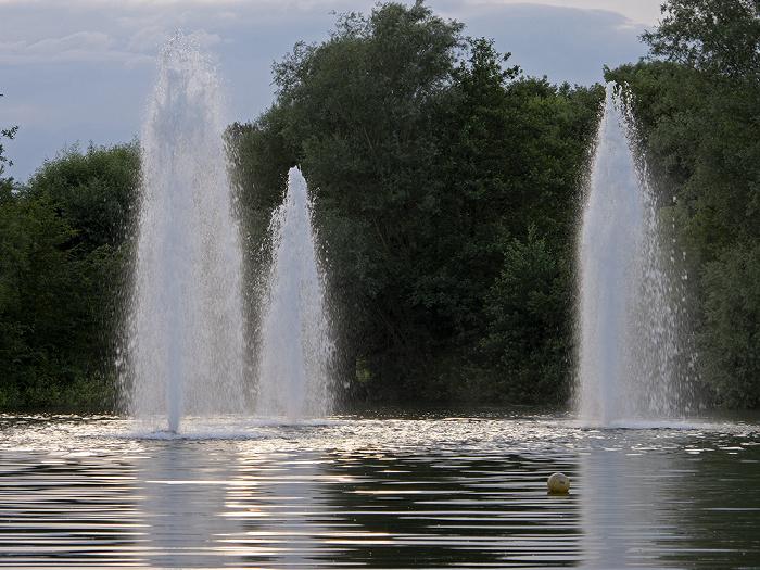 Ostpark: Wasserfontänen im Ostparksee München
