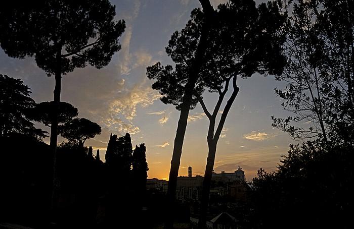 Sonnenuntergang über dem Forum Romanum Rom