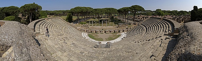 Ostia Antica: Theater, Forum der Zünfte mit dem Ceres-Tempel
