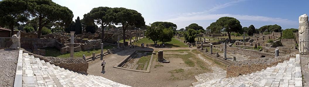 Ostia Antica: Blick vom Kapitol auf Forum und Basilika