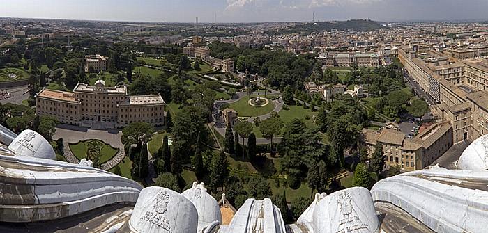 Blick von der Kuppellaterne des Petersdom: Vatikanische Gärten, Vatikanische Museen