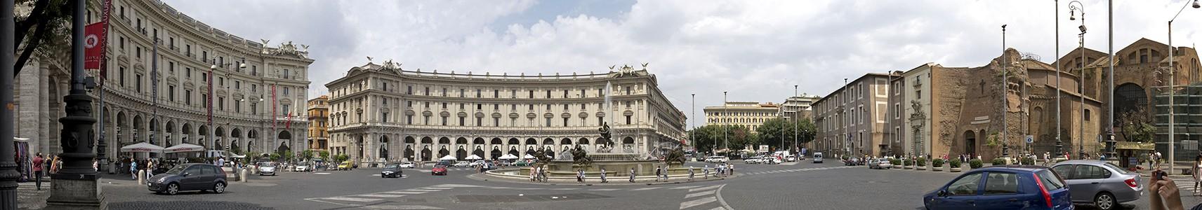 Piazza della Repubblica mit dem Najaden-Brunnen (Fontana delle Naiadi), Santa Maria degli Angeli e dei Martiri Rom