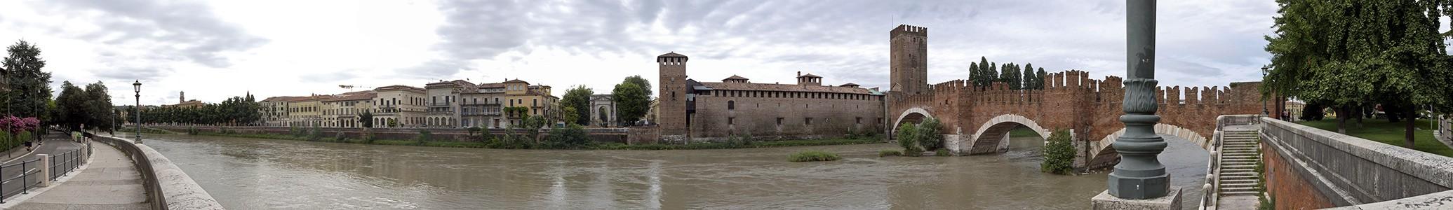 Centro Storico (Altstadt): Etsch (Adige), Castelvecchio, Ponte Scaligero (Skaligerbrücke) Verona