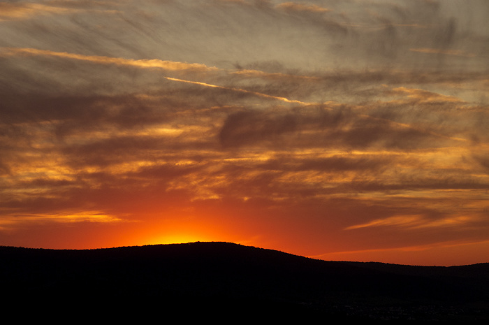 Schloss Veldenz: Sonnenuntergang über Hunsrück und Eifel