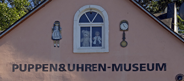 Bernkastel-Kues Ortsteil Bernkastel: Puppen- & Uhrenmuseum