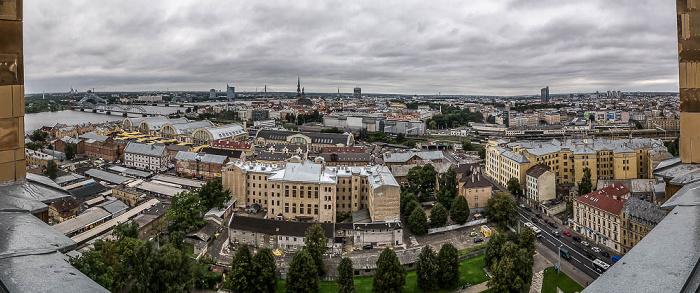 Riga Blick von der Akademie der Wissenschaften: Moskauer Vorstadt (Maskavas forstate) Altstadt Düna Eisenbahnbrücke Luftschiffhallen Rigaer Zentralmarkt Steinbrücke