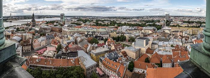Riga Blick von der Petrikirche: Altstadt Dom zu Riga Düna Jakobskirche Landwirtschaftsministerium Radisson Blu Hotel Latvija Rigaer Schloss Vansu-Brücke