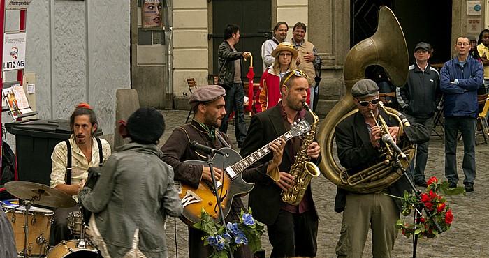 Linz Altstadtviertel: Pflasterspektakel