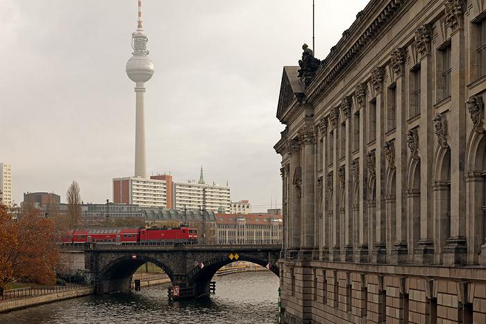 Berlin Museumsinsel Bode-Museum Fernsehturm