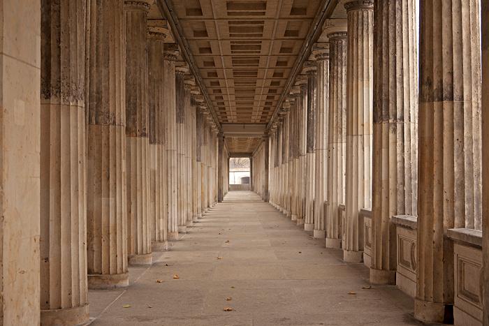 Berlin Museumsinsel: Kolonnadenhof