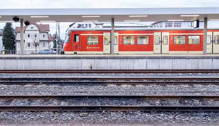 Bahnhof Schorndorf: S-Bahn der Linie S 2 an der Endhaltestelle