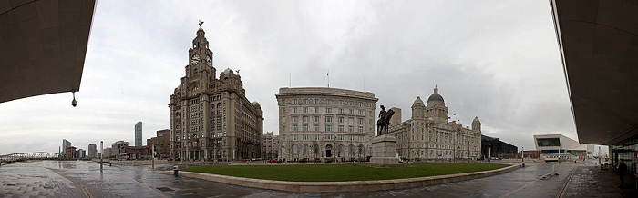 Pier Head: Three Graces (Drei Grazien) - Royal Liver Building, Cunard Building, Port of Liverpool Building Museum of Liverpool West Tower