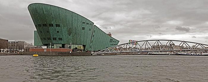 Oosterdok, Technologie-Museum NEMO, Oosterdok-Brücke Amsterdam