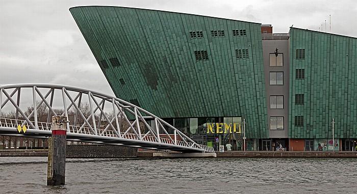 Amsterdam Oosterdok, Oosterdok-Brücke, Technologie-Museum NEMO
