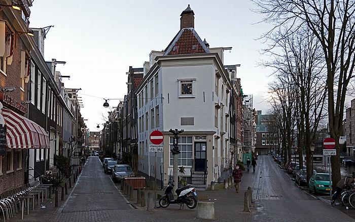 Amsterdam Centrum: Tweede Weteringdwarsstraat (links) und Lijnbaansgracht
