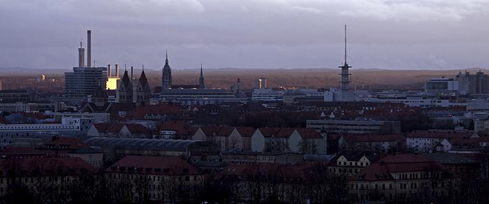 Blick vom Olympiaberg: Stadtzentrum München 2012