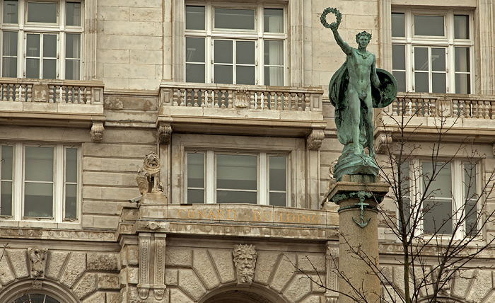 Liverpool Pier Head: Three Graces (Drei Grazien) - Cunard Building, Cunard War Memorial