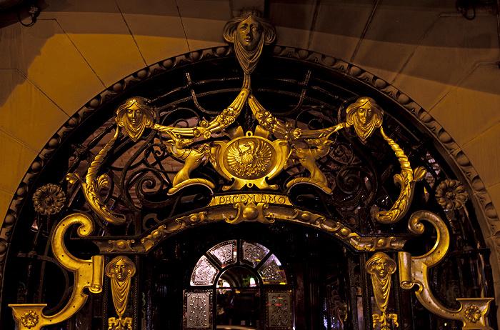 Liverpool Hope Street: Philharmonic Pub