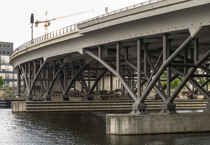 Humboldthafenbrücke (Berliner Stadtbahn) über den Humboldthafen Berlin 2011