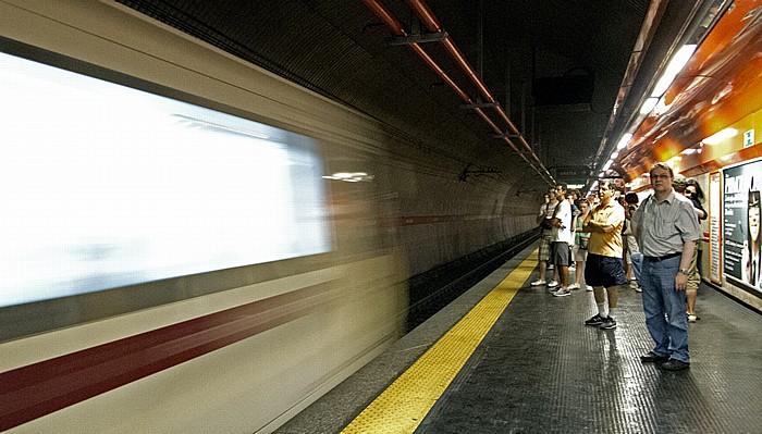 Metropolitana di Roma: Station Barberini - Fontana di Trevi