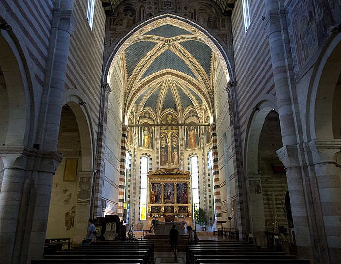 Basilica di San Zeno: Langhaus Verona