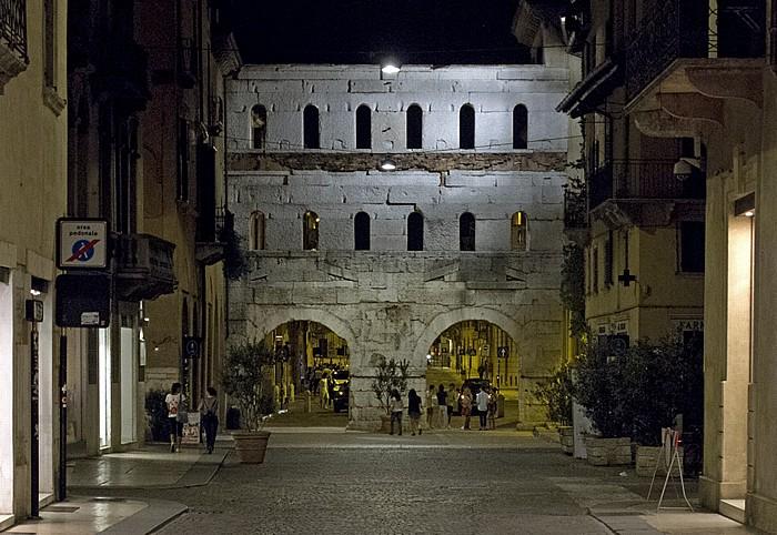 Centro Storico (Altstadt): Porta dei Borsari Verona