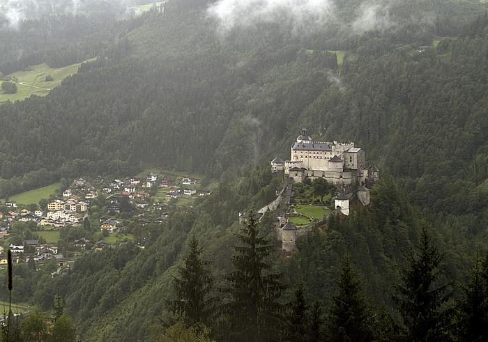 Werfen Salzachtal mit der Festung Hohenwerfen