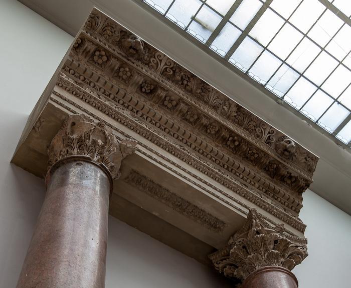 Pergamonmuseum: Heiligtum des Jupiter Heliopolitanus Berlin 2011