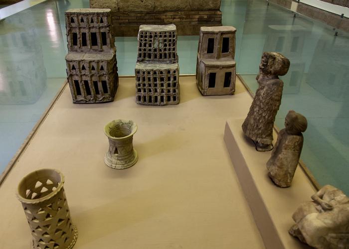Berlin Pergamonmuseum: Tempelinventar des Ischtar-Tempels von Assur