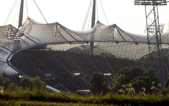 Blick vom Olympiaberg: Olympiastadion München 2012