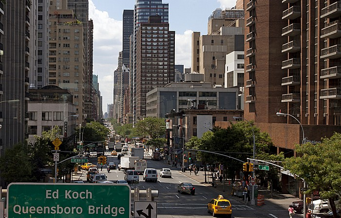 Blick aus der Roosevelt Island Tramway: Sutton Place (Midtown Manhattan) - 2nd Avenue New York City