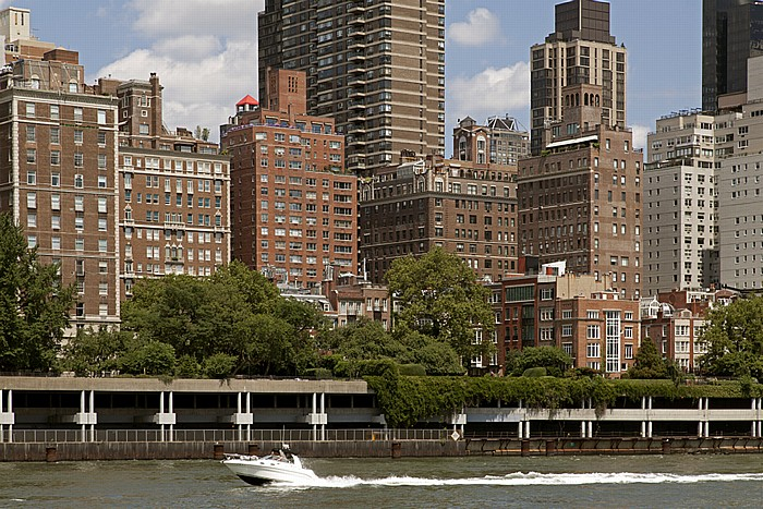 Blick von Roosevelt Island: Midtown Manhattan - Sutton Place New York City