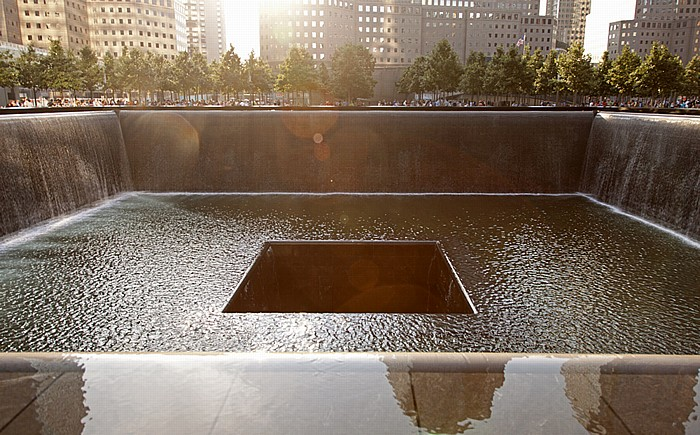New York World Trade Center Site (Ground Zero): 9/11 Memorial - North Pool World Financial Center