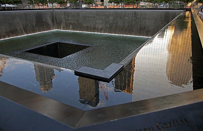 New York City World Trade Center Site (Ground Zero): 9/11 Memorial - South Pool