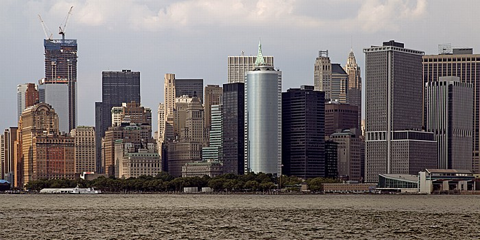 New York Blick von der Staten Island Ferry: Lower Manhattan - Financial District und Battery Park