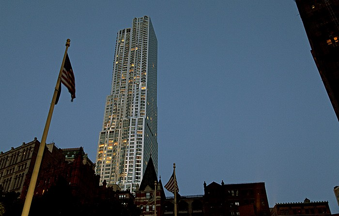 New York City Civic Center: City Hall Park und 8 Spruce Street (Beekman Tower, New York by Gehry)