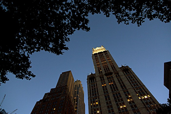 New York Civic Center: City Hall Park und Woolworth Building