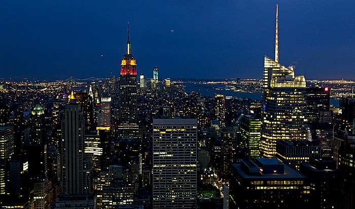 New York Blick vom GE Building (Rockefeller Center) Top Of The Rock: Manhattan, Hudson River und New Jersey Bank of America Tower Empire State Building One World Trade Center World Trade Center