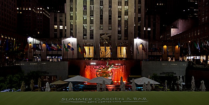Rockefeller Center: GE Building und Lower Plaza und Prometheus-Statue New York City