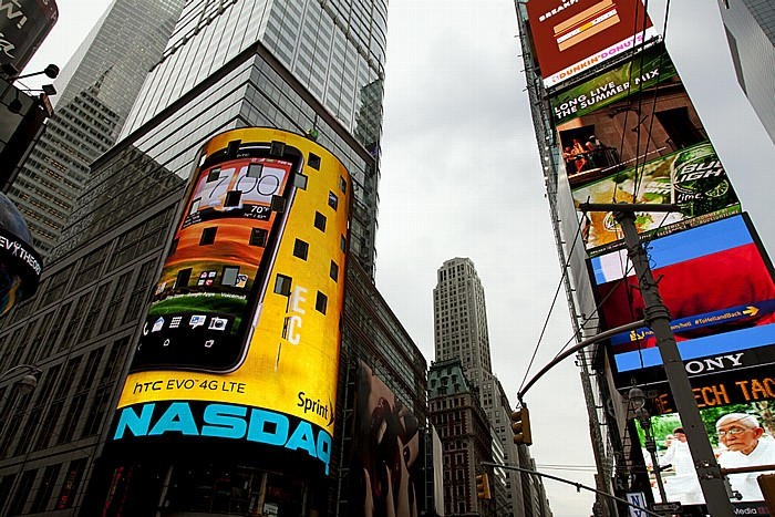 Times Square: NASDAQ MarketSite im Condé Nast Building (4 Times Square) New York City