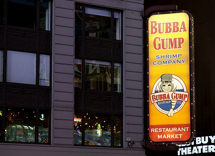 New York Times Square: Bubba Gump Shrimp Company Restaurant and Market