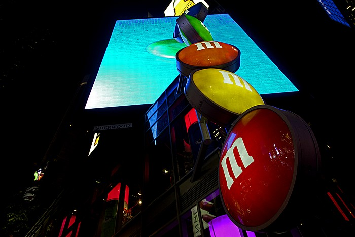 New York Times Square (Duffy Square): M&M's Store