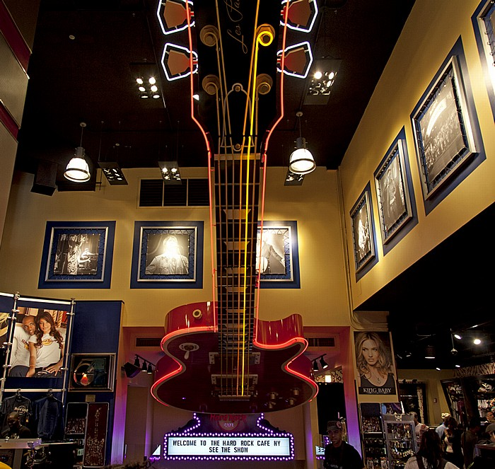New York Times Square: Hard Rock Cafe