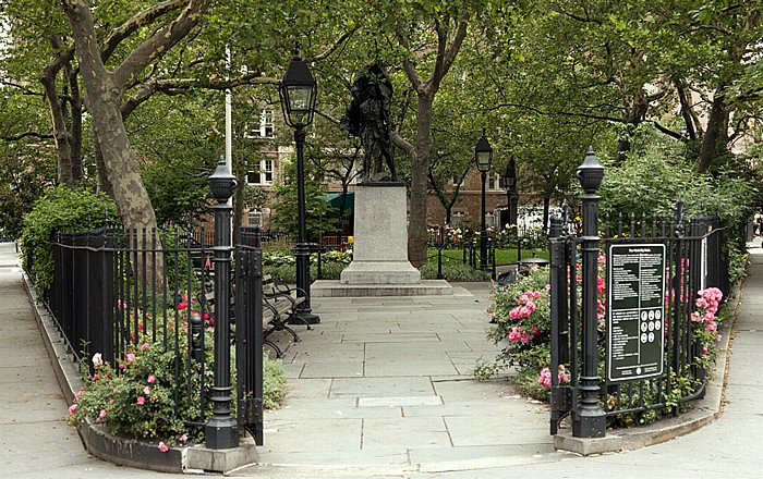 West Village (Greenwich Village): Abingdon Square Park New York City