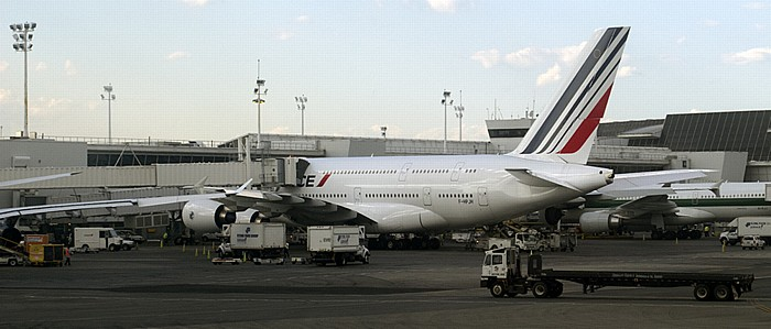 New York John F. Kennedy International Airport, Terminal 1: Airbus A380 von Air France